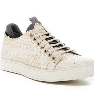 Donald Pliner Sneakers